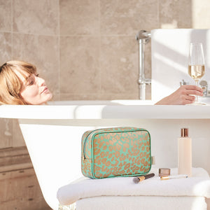 ladies wash bag in green for travel