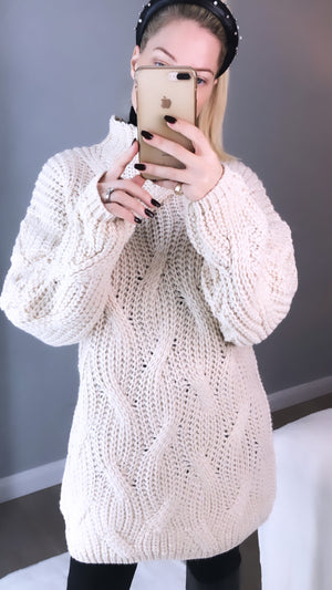 CHUNKY KNIT CREAM