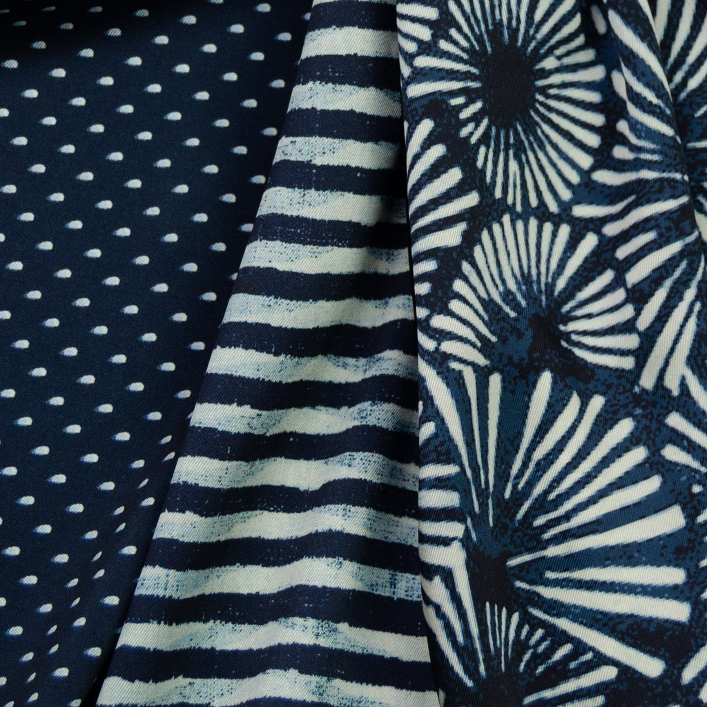 Tuyet Blue&White Graphic Printed Polyester