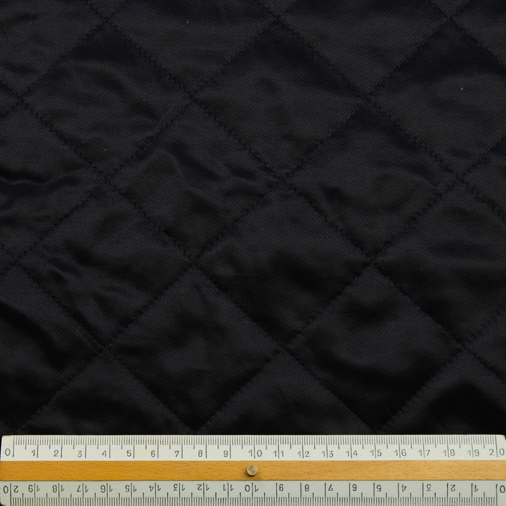 Pekelo Black Diamand Quilted Viscose Blend