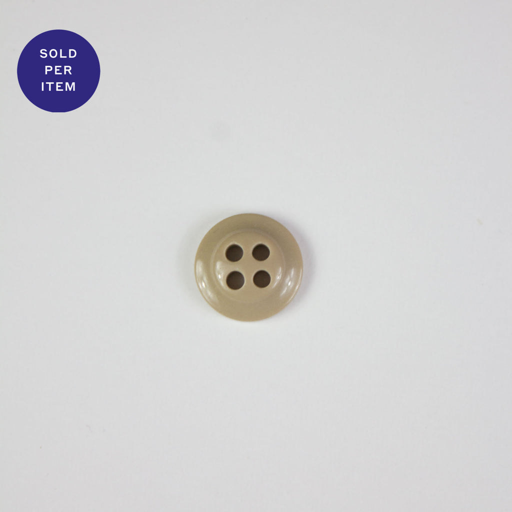 Oyster 4-Hole Plastic Button