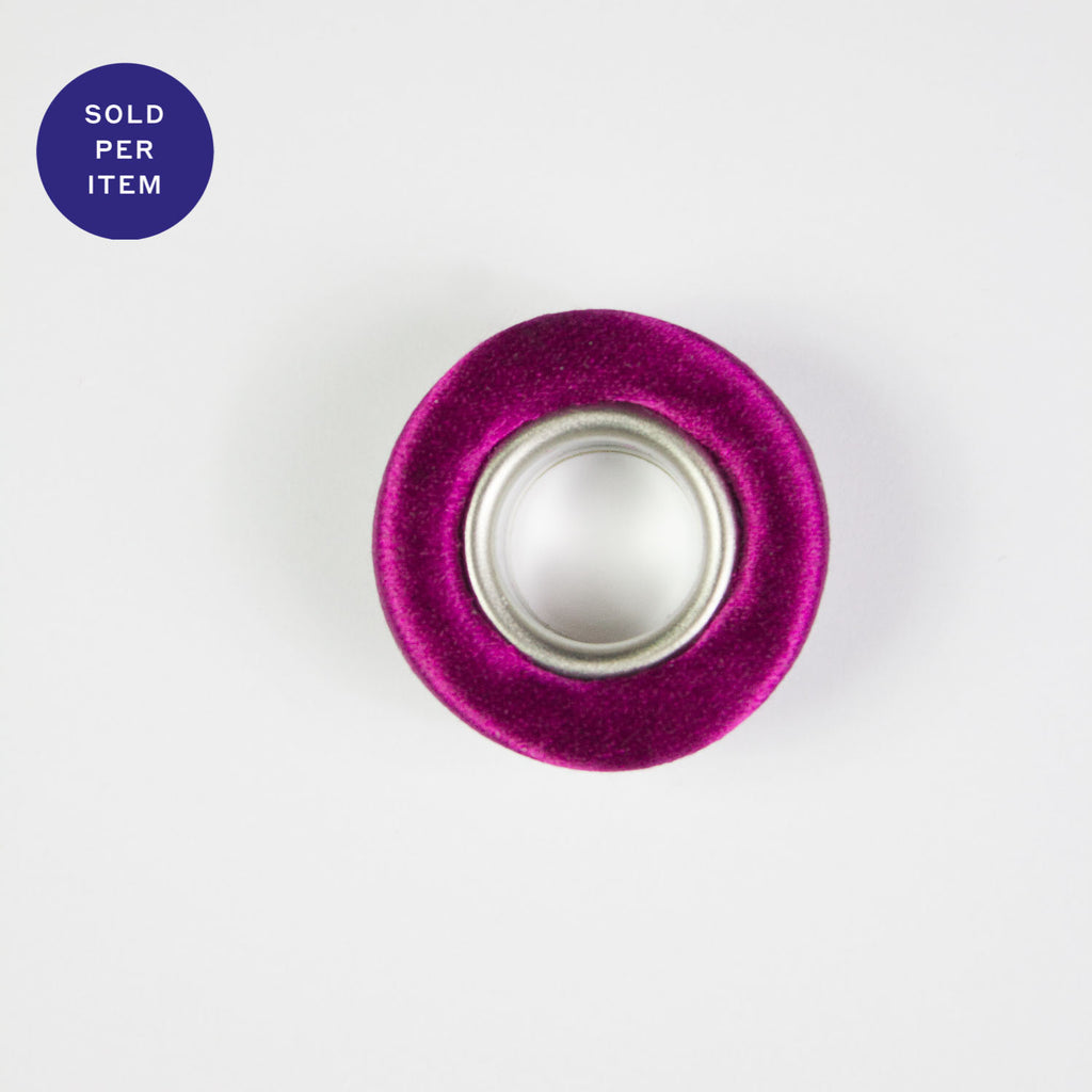 Fabric Covered Eyelet Fucsia - 14mm