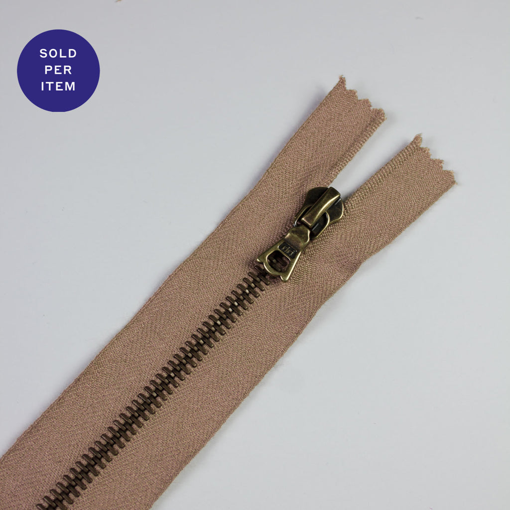 Skin Metal Closed End Zipper With Anti Brass Pull and Teeth