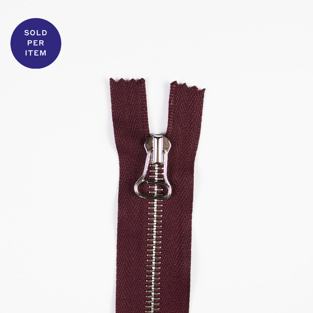 Wine Metal Closed End Zipper With Silver Pull and Teeth