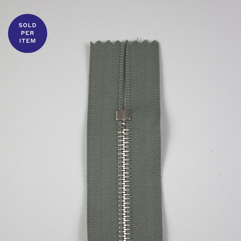 Sage Metal Closed End Zipper With Silver Pull and Teeth - 30cm