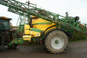 Trailed John Deere Sprayer 28m with 3200L Tank (11000212)