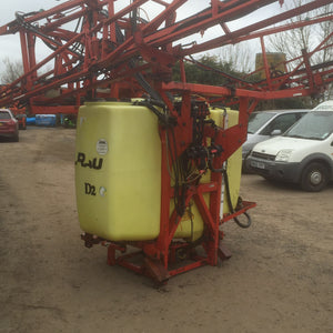 Mounted Rau 18m with 1000L tank