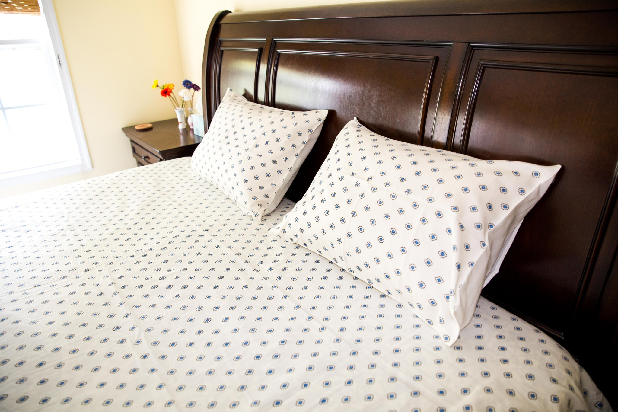 Handmade Block-Printed Bed Sheet with Pillowcases Blue and Off-white color with designs - King Size