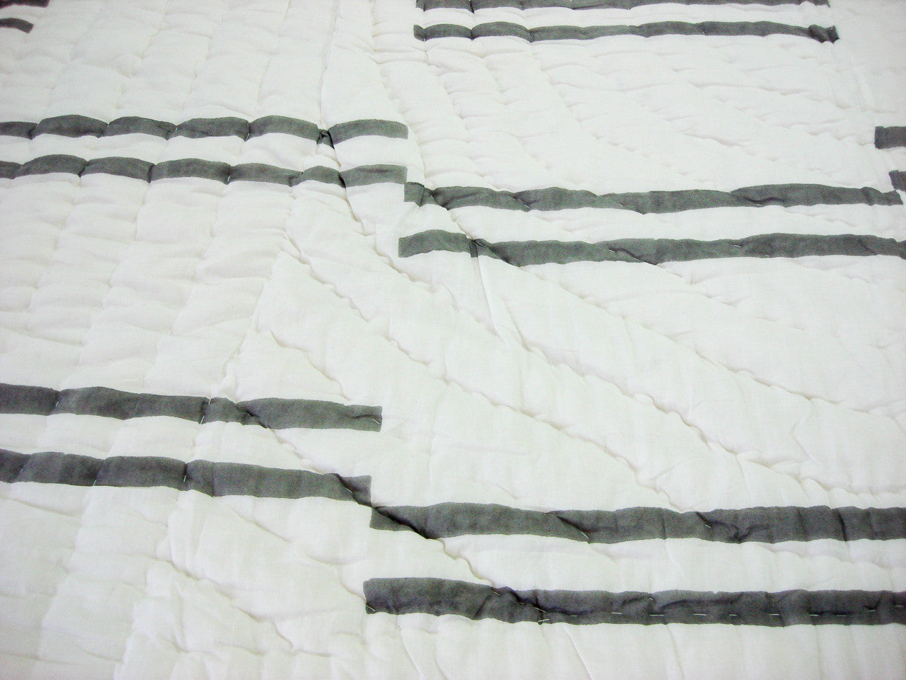 100% Handmade Cotton Quilt - Black Stripes - Pentagon Crafts