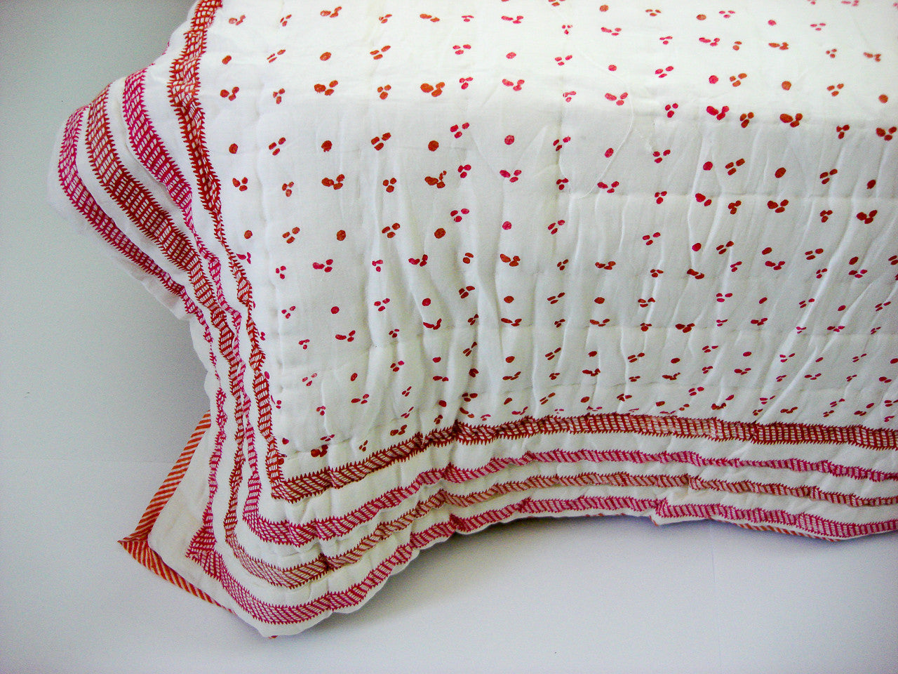 100% Handmade Cotton Quilt - Red & Orange on off White - Pentagon Crafts