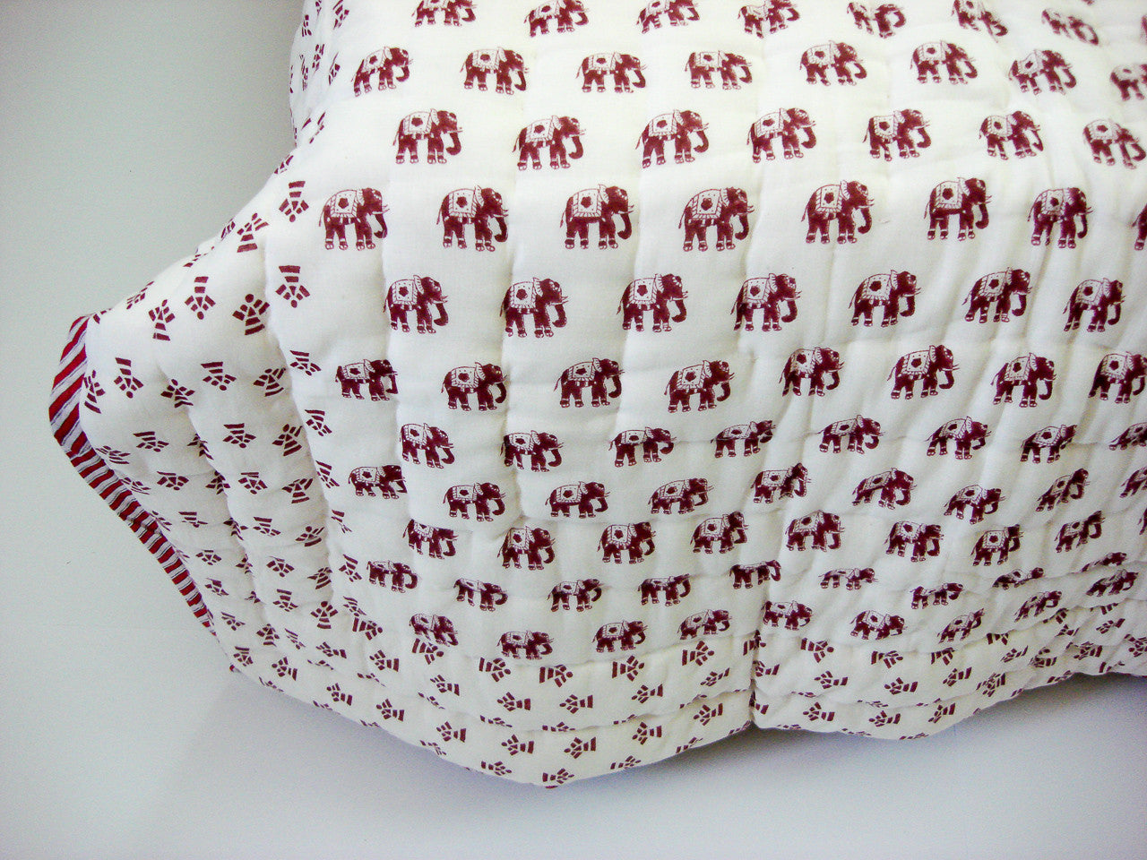 100% Handmade Cotton Queen Quilt - Elephant Prints - Pentagon Crafts