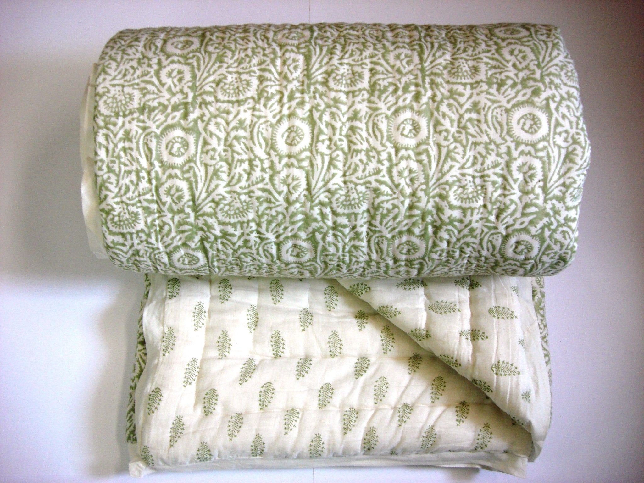 100% Handmade Cotton Queen Quilt - Olive Green Spreads - Pentagon Crafts