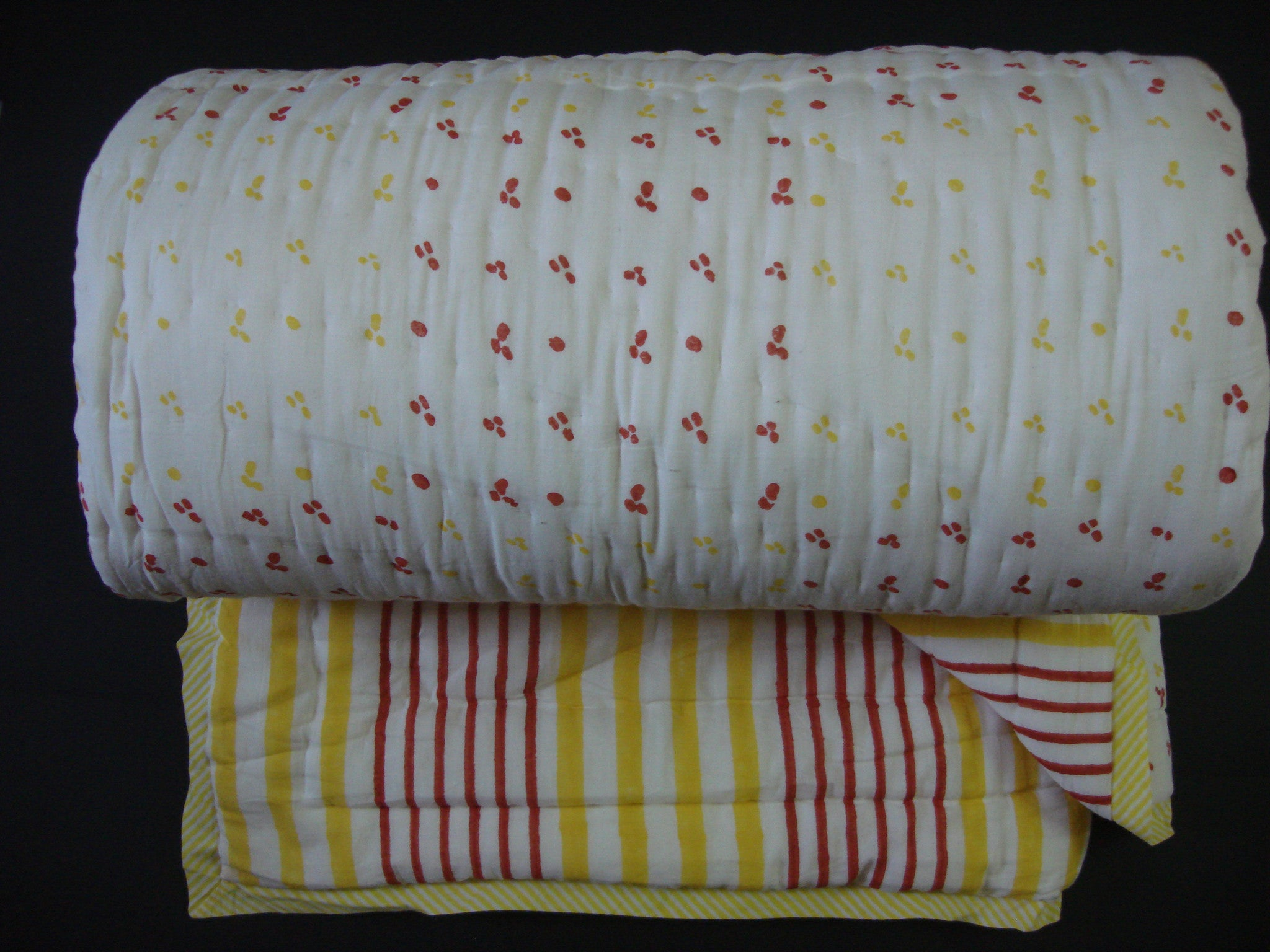 QBP 180 -100% Handmade Cotton Queen Quilt - Yellow and red stripes - Pentagon Crafts