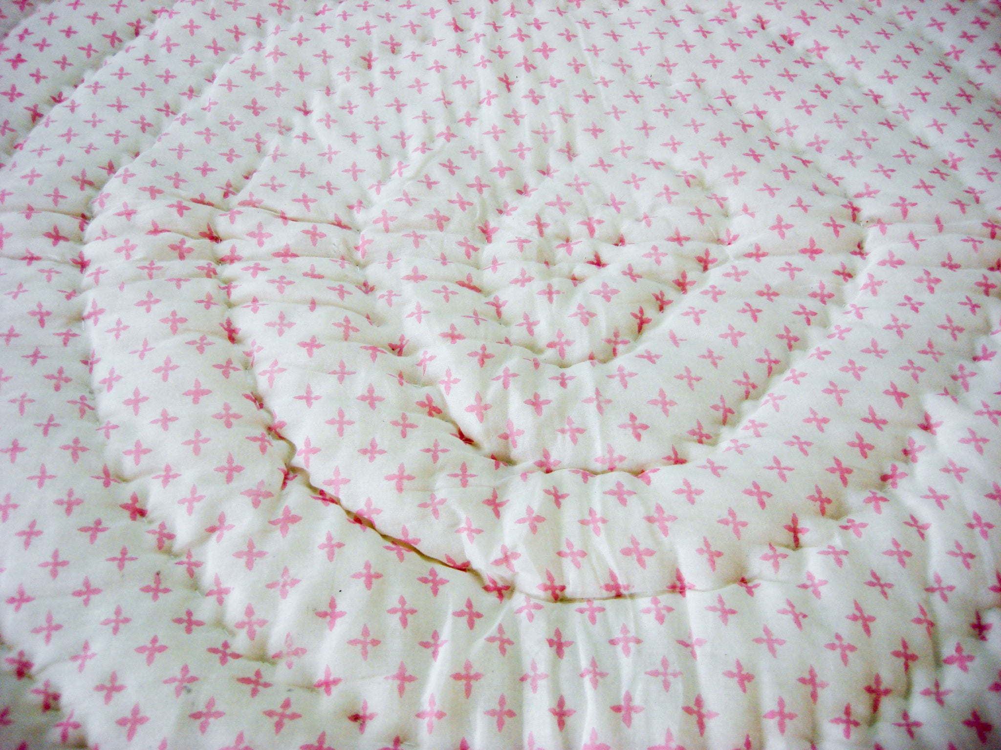 All New Roysha Handmade Cotton Queen Quilt in Pink Floral Pattern