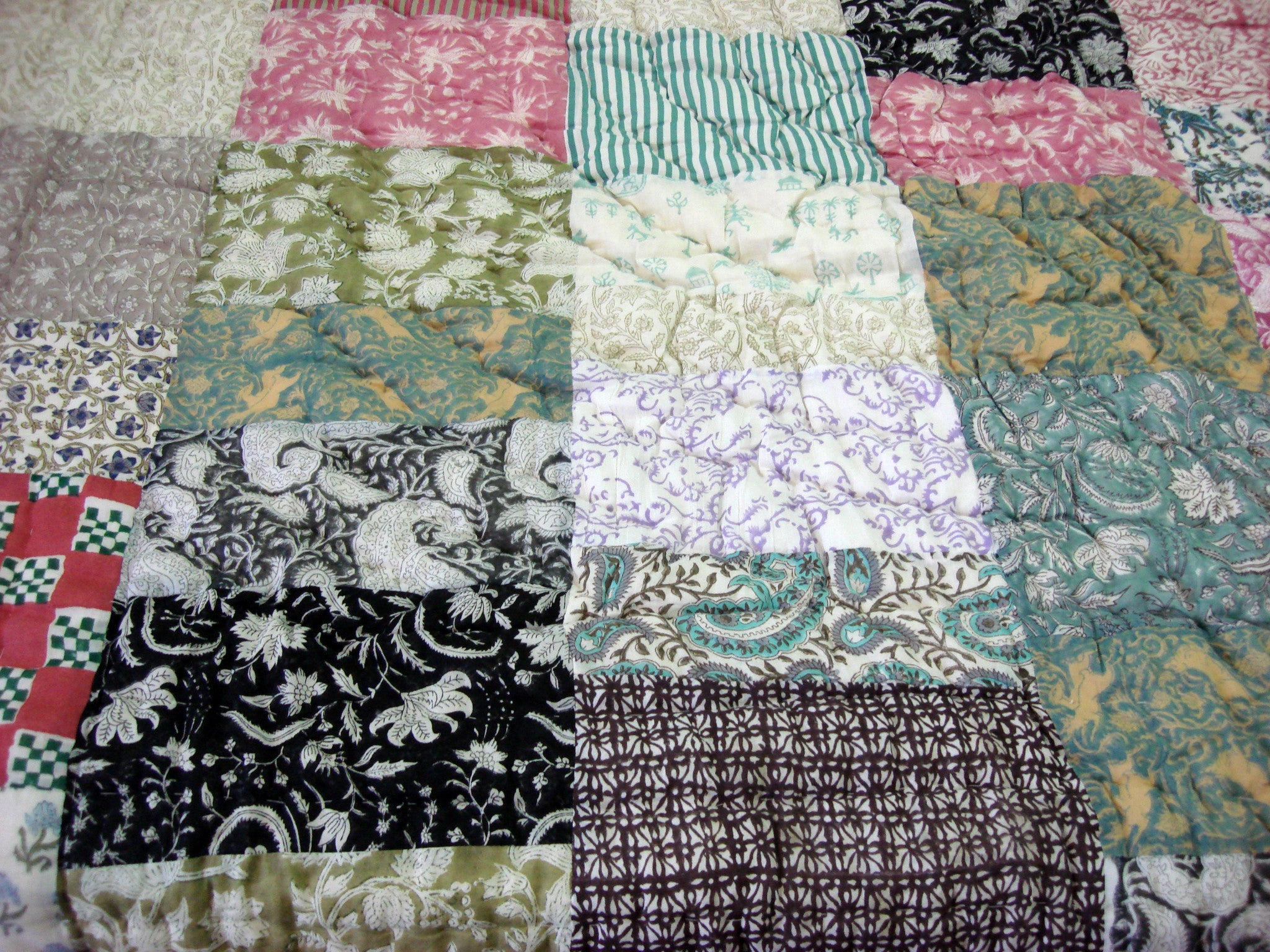 100% Handmade Cotton Patchwork Dark Quilt - Pentagon Crafts