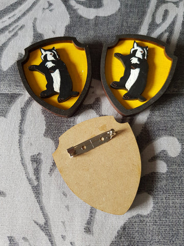House Harry Potter Brooch ↠ Hufflepuff