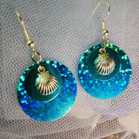 Clamshell Sequin Earrings