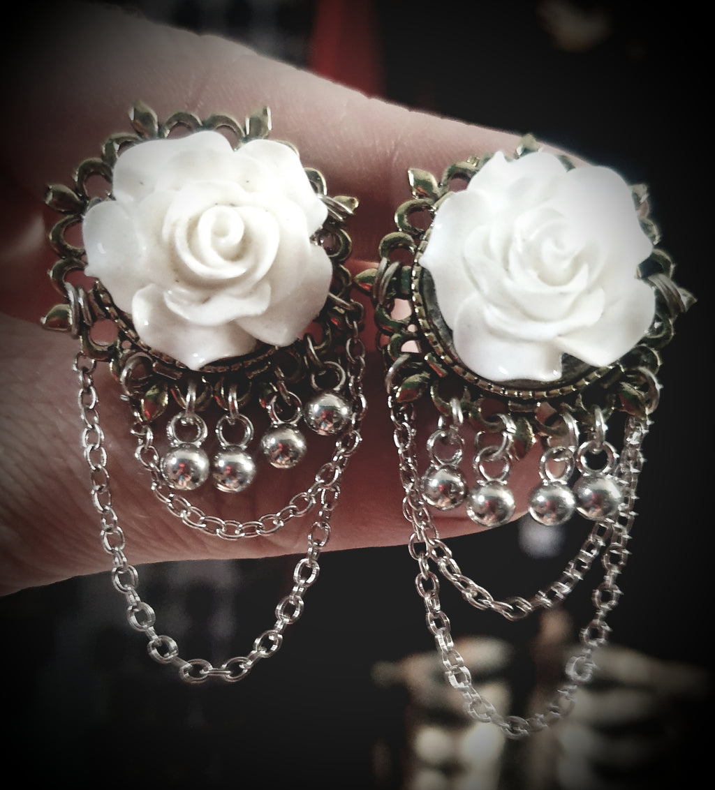 Dangle Chained Rose Plugs ~ Pair