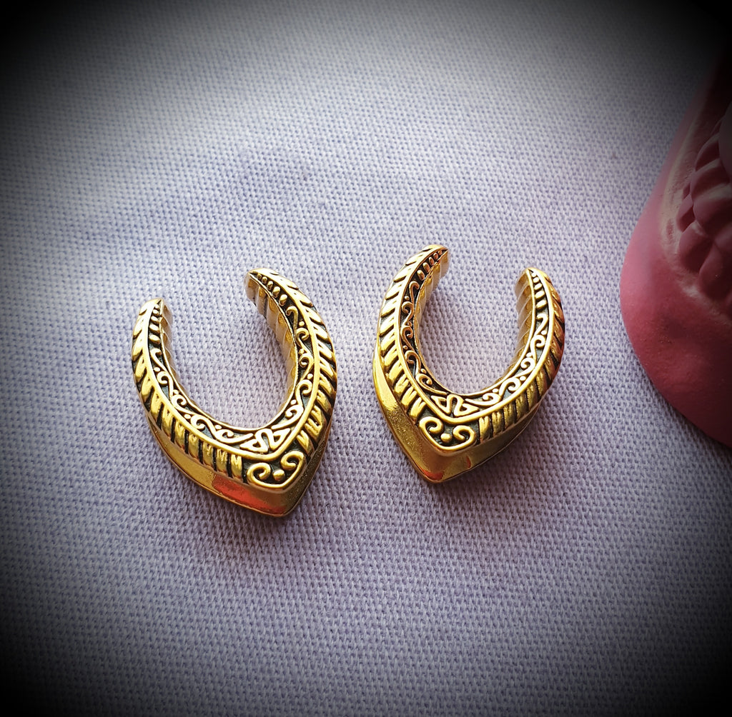 Ornate Saddle Ear Weights ~ Pair