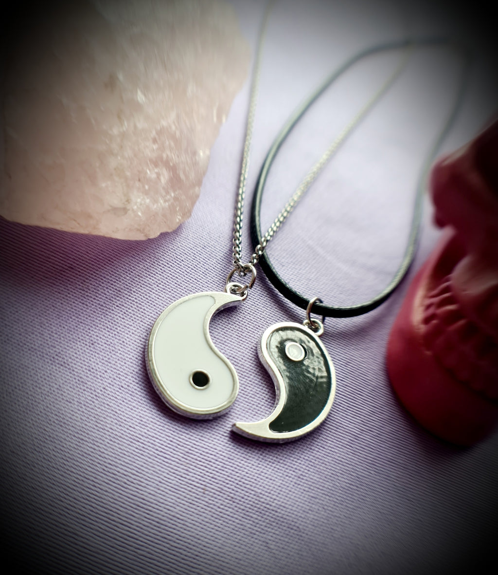 Yin Yang Friendship Lover Necklace Set