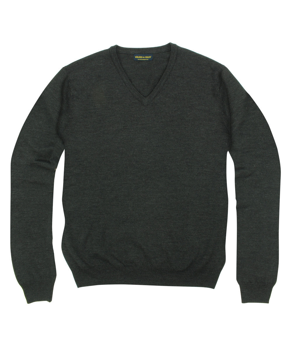 Wilkes & Riley 100% Pure Merino Wool Zegna Baruffa V-Neck Sweater in Charcoal