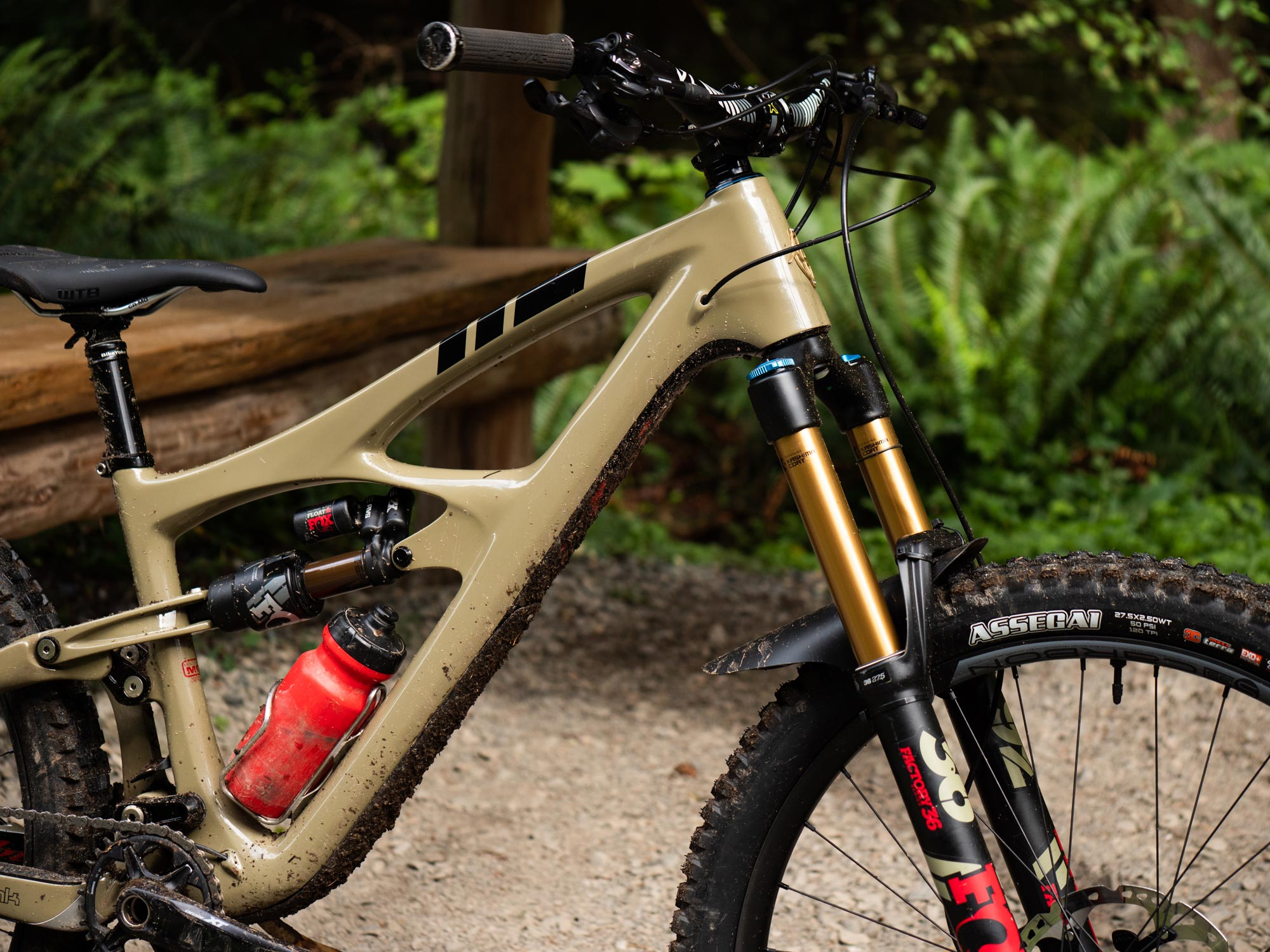 "The Ibis Mojo HD5 uses their specific ""Traction Tune"" in its suspension."