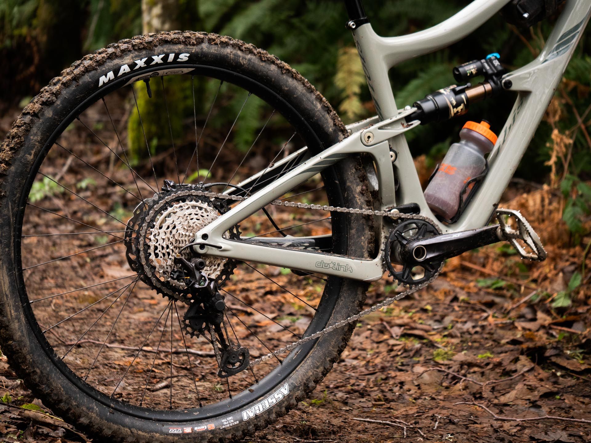 With a more progressive suspension design, the Ibis Ripmo V2 no longer suffers from unwanted bottoming, and is now coil compatible.