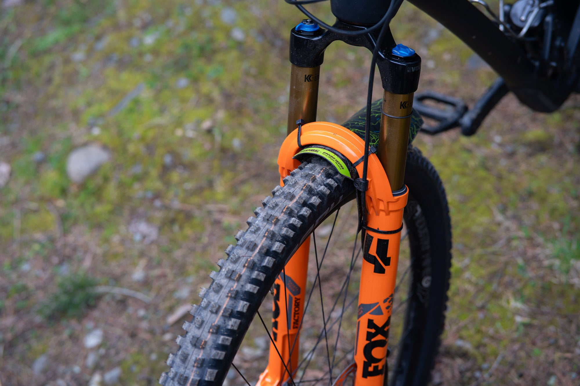 The new EVOL air spring and the FIT4 damper