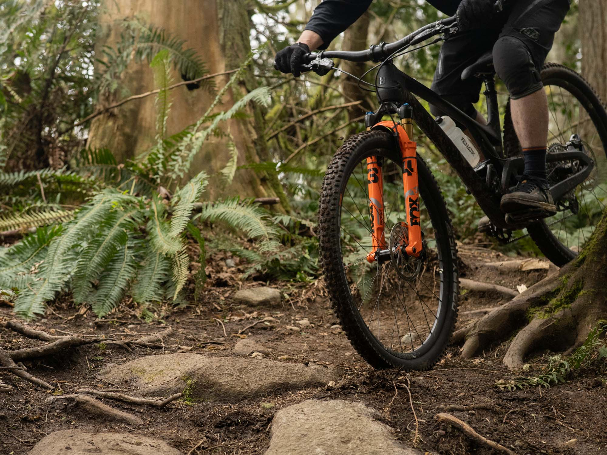 The 34 SC is plenty stiff enough for most riding conditions