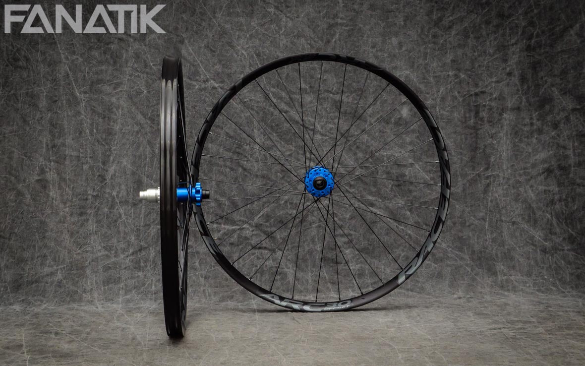 Race Face ARC 30 Offset/Hope Pro4 Custom Wheelset