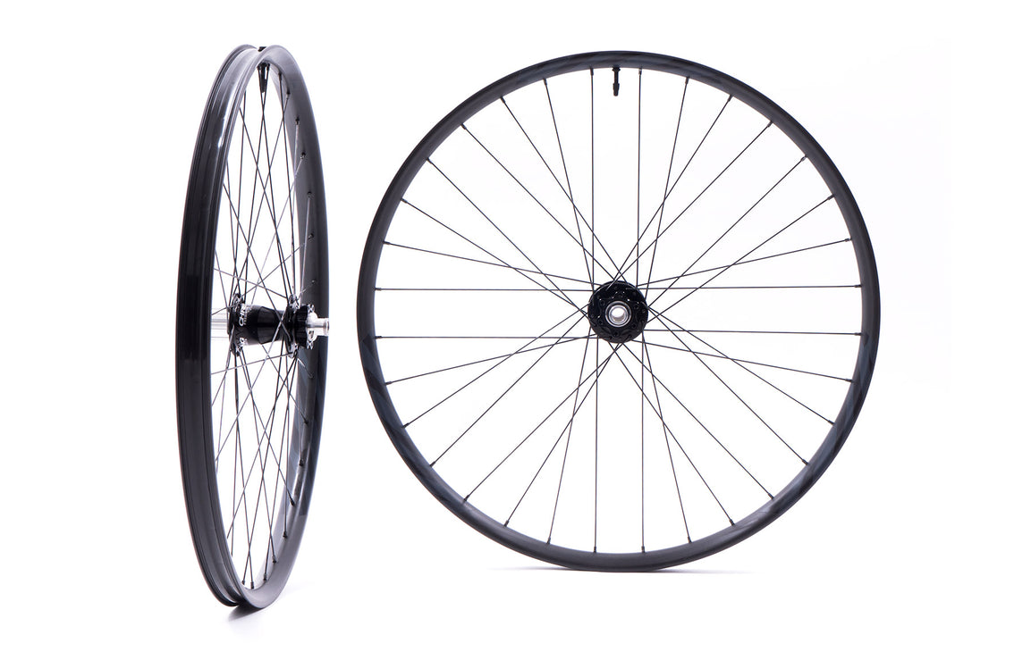 "735 Carbon / Chris King ISO 27.5"" Boost Wheelset"