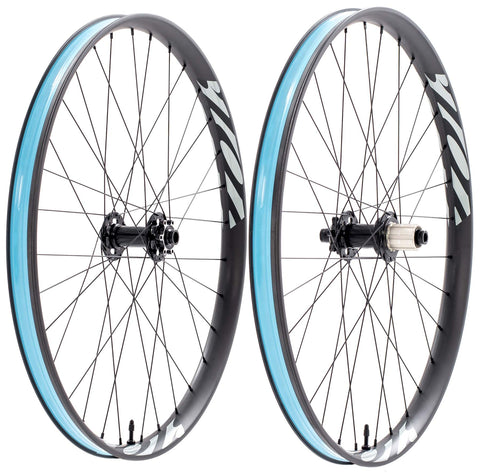 "742 Logo Carbon 27.5"" Boost Wheelset"