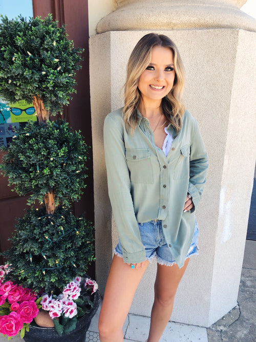 Need to add a few styles to your wardrobe capsule? Then grab one of these Olive Button Down Tops! This Classic Shirt is so soft and comfy! Button ups are timeless and are a must for every wardrobe capsule, and great ones are hard to come by, so snag this one while ya can!