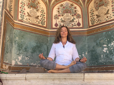 india yoga retreat peace meditation namaste