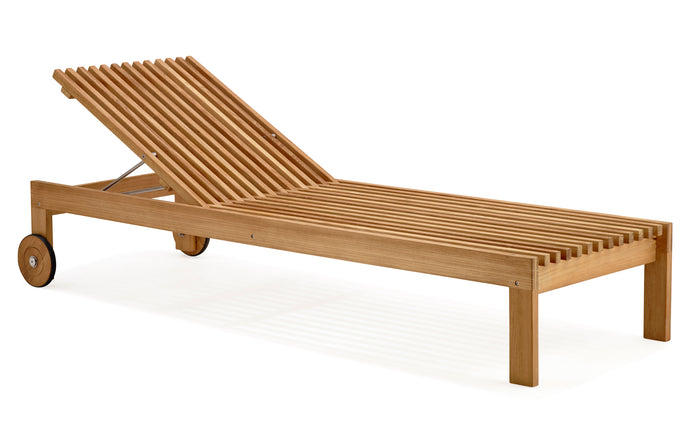 Amaze Sunbed by Cane-Line - Teak/No Cushion.