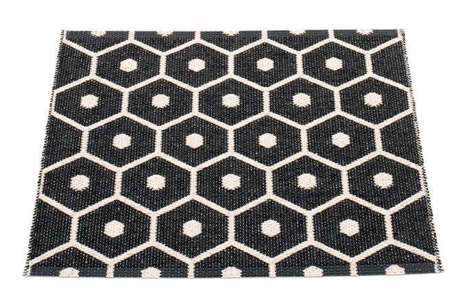 Honey Black & Vanilla Runner Rug by Pappelina.