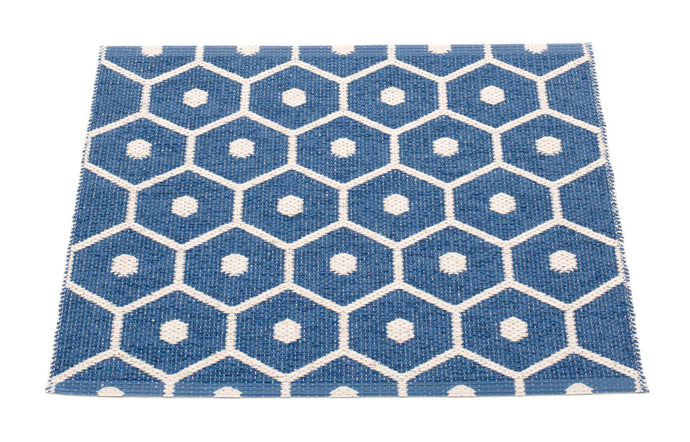 Honey Denim & Vanilla Runner Rug by Pappelina.
