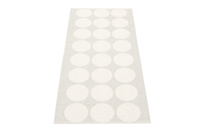 Rug by Pappelina Metallic White & Fossil Grey Runner Rug.