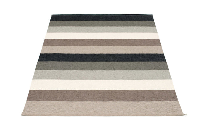 Molly Mud Rug by Pappelina.