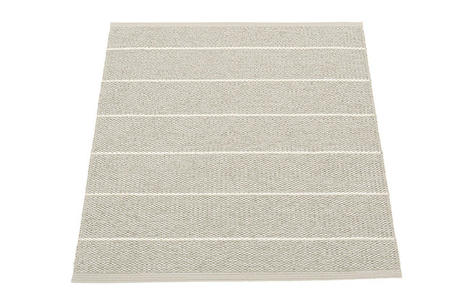Carl Linen Rug by pappelina.