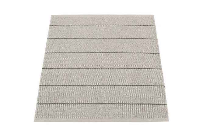 Carl Warm Grey Rug by Pappelina.