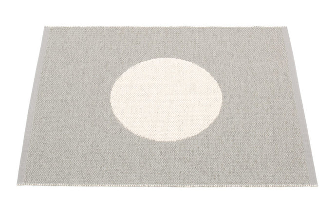 Vera Small One Warm Grey & Vanilla Rug by Pappelina.