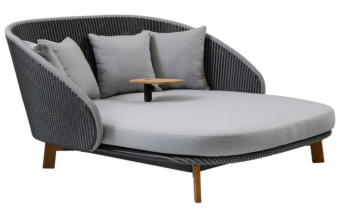 Peacock Daybed with Table by Cane-Line - Grey/Light Grey Weave.