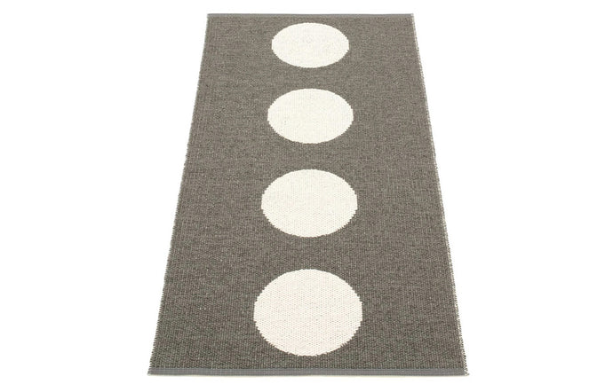 Vera Charcoal & Vanilla Runner Rug by Pappelina - 28