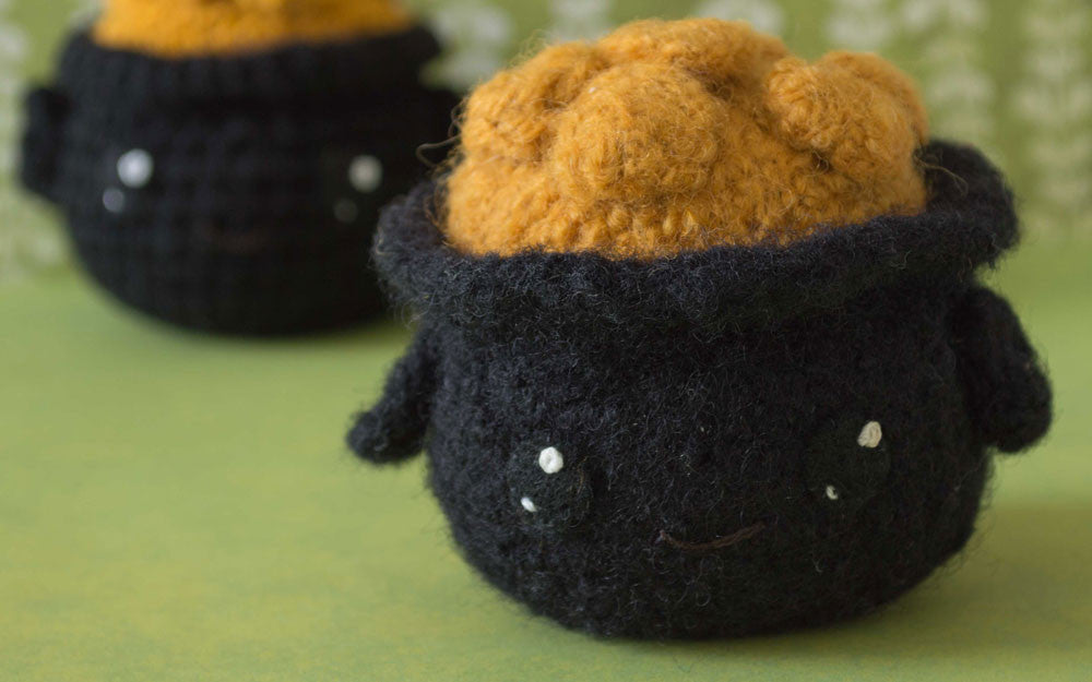 Felted Knit Pot of Gold Amigurumi Pattern