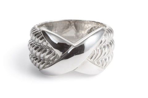 Silver ring with Rope Detail