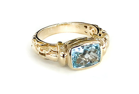 Blue Topaz Oblong detailed Ring
