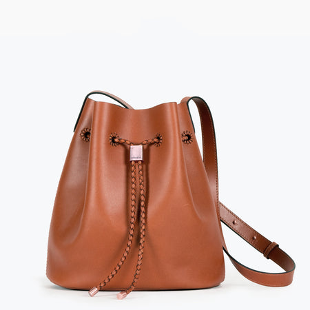 Layla bucket bag in Tan