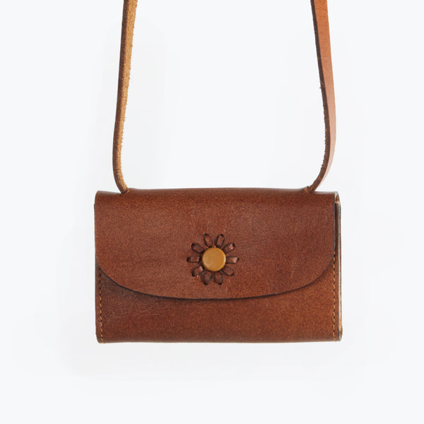 Momento leather card case in antique tan