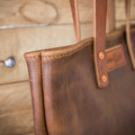 Side detail of the leather Tote Bag